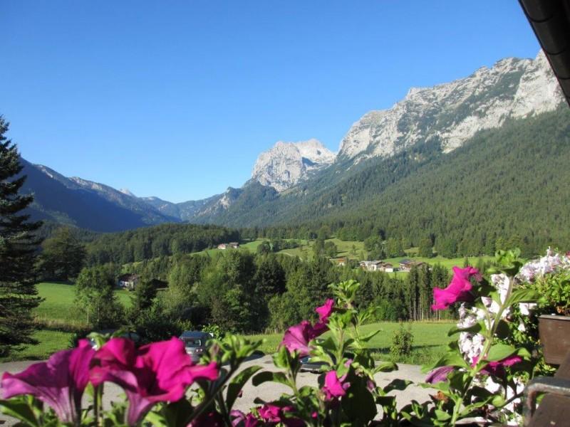 Weiter Blick auf die Berchtesgadener Alpen